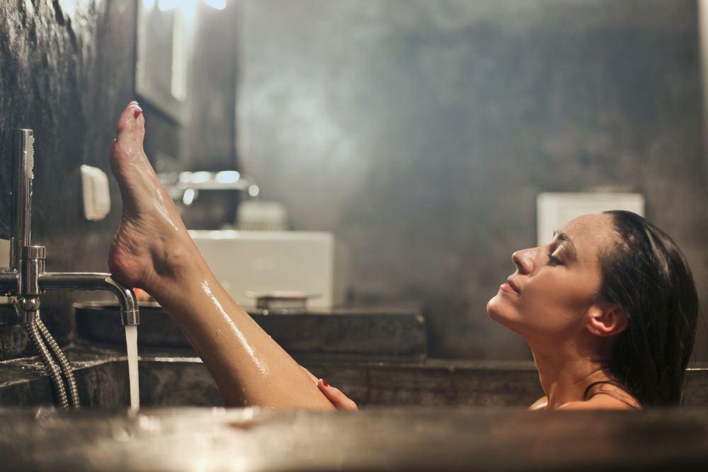 Skab din egen spa med maling af badekar